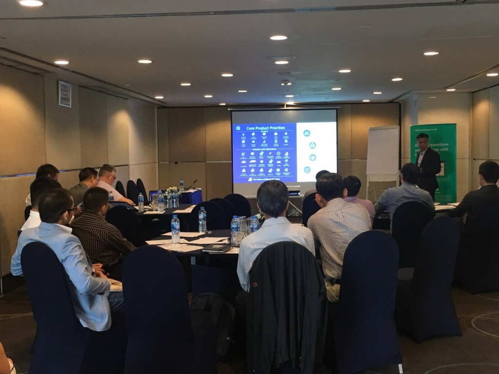 Mr. Dinh Tien Dung – Votiva Managing Director – sharing experiences as well as demo Microsoft Dynamics 365 product.